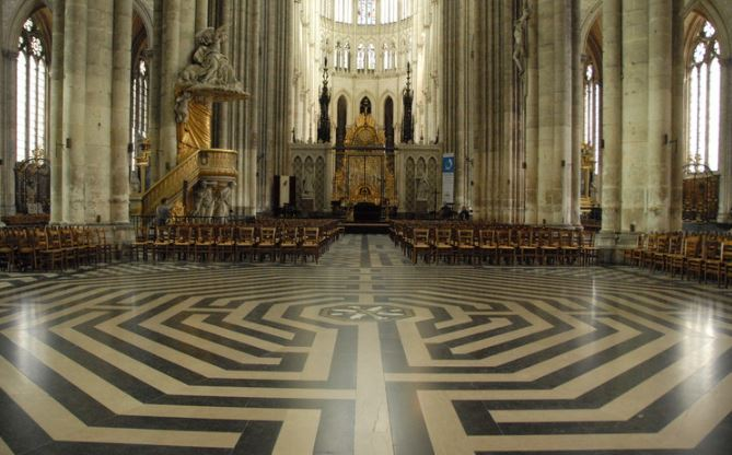 cathc3a9drale-amiens-labyrinthe